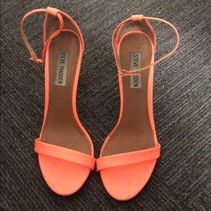 Women's coral Steve Madden heels